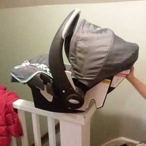 Baby carseats for Sale in Grand Rapids, MI