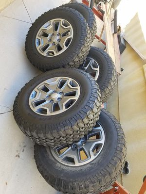 Jeep Rubicon Wheels and Tires for Sale in San Gabriel, CA
