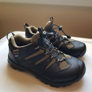 """Keen """"Koven"""" Hiking Shoes Sz 4 Youth for Sale in Derby, CT"""
