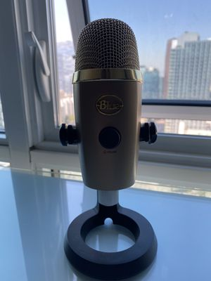 Barely used rare gold blue yeti nano for Sale in Los Angeles, CA