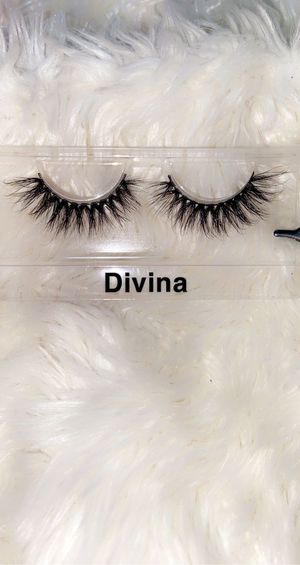 Eyelashes for Sale in Bloomington, CA