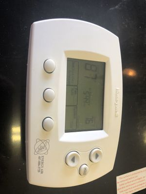 Honeywell Thermostat for Sale in Winter Garden, FL