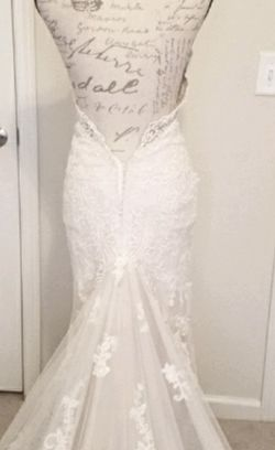 Martina Liana Lace Ivory Wedding Dress for Sale in Trafford,  PA