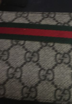 Gucci wallet for Sale in Maitland, FL