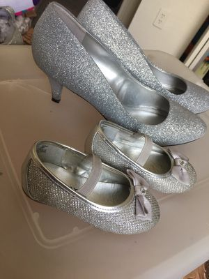 Silver sparkle shoes for wedding for Sale in Lakeland, FL