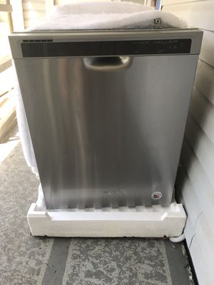 Whirlpool Stainless Dishwasher for Sale in Ruskin, FL