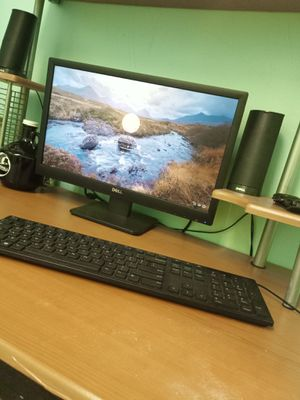 Dell desktop computer w/speakers and webcam for Sale in Pittsburgh, PA