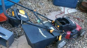 Electric lawn mower$5.00 for Sale in Denver, CO