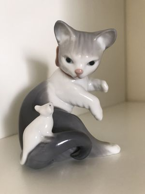 LLADRO Cat and Mouse Figurine for Sale in Kirkland, WA