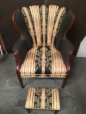 Beautifully Reupholstered Chair with footstool and 2 matching pillows for Sale in Sebring, FL