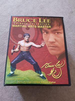 Brand New Bruce Lee Tribute Collection Martial Arts Master Fully Painted Limited Edition Statue 0166/2000 for Sale in San Mateo, CA