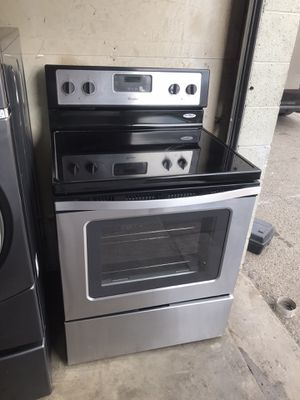 WHIRLPOOL ELECTRIC STOVE STAINLESS STEEL for Sale in Los Angeles, CA