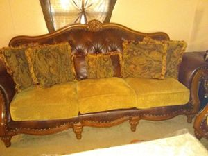 Sofa, love seat , coffee table and 2 end tables and 2 lamps for Sale in Lancaster, TX