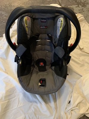 Britax infant car seat and base for Sale in Waukesha, WI
