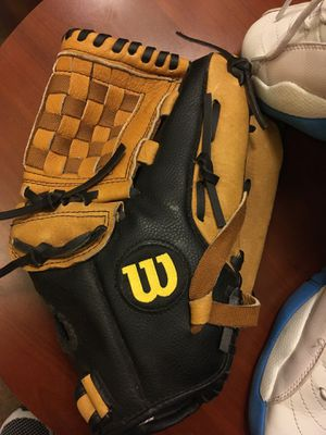 Right and baseball glove for Sale in High Point, NC
