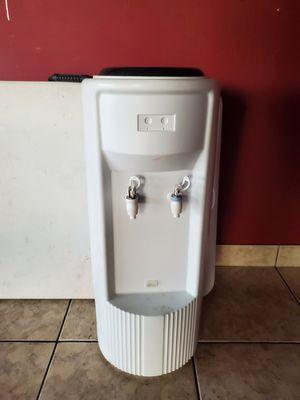 Bebedero electrico for Sale in Phoenix, AZ