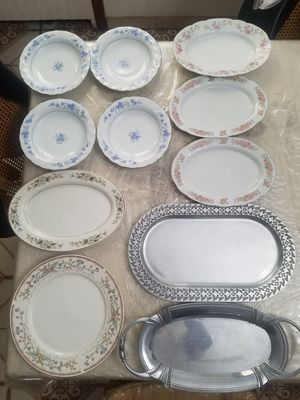 21 piece dinnerware for Sale in Brooklyn, NY
