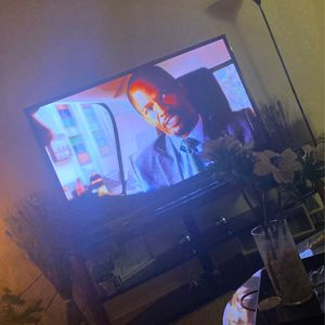 Smart No Remote 70 Inch 250 for Sale in Irving, TX