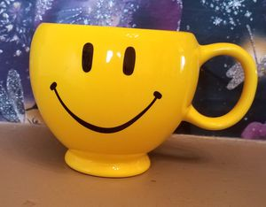 Smiley face mug, 4 1/4in tall 6in acrossed with handle for Sale in Hermon, ME