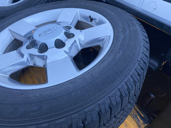 Chevy Silverado 2500 3500 oem wheels and tires 20