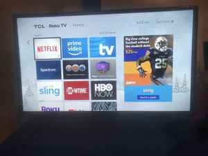 Tcl Roku smart tv wth remote for Sale in Springfield, MA