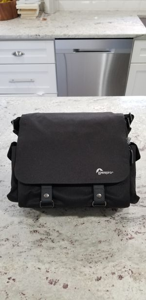 Lowepro Urban Reporter 150 Camera Bag for Sale in Yalesville, CT