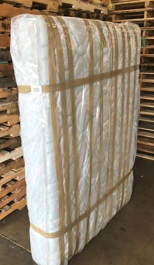 King Size Bed for Sale in Renton, WA