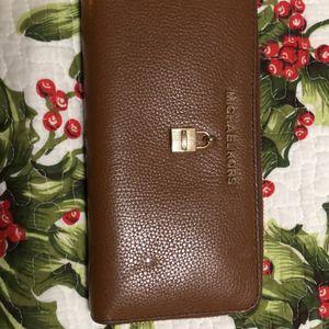 Michael Kors wallet for Sale in Yukon, OK