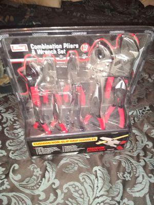 Brand New set of pliers for Sale in El Dorado, AR
