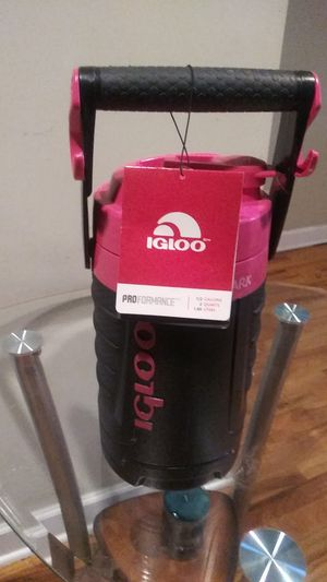 Igloo 1/2 gal water cooler Brand-New...Moving sale!!! for Sale in Chicago, IL