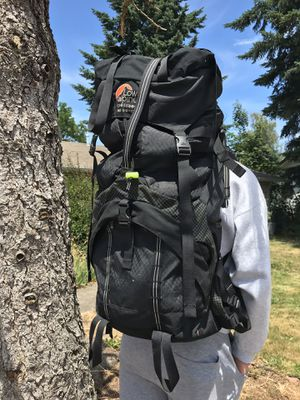 Hiking backpack QUALITY. LOWE ALPINE CROSSBOW for Sale in Woodburn, OR
