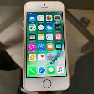 Apple iPhone SE- 16GB Unlocked for all carriers for Sale in Philadelphia, PA