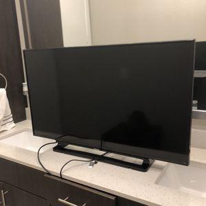 """Toshiba 40"""" Flatscreen TV for Sale in Dallas, TX"""
