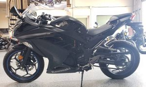 2013 Kawasaki Ninja 300 for Sale in El Cajon, CA