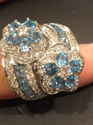 Ladies ring! Flashy for Sale in Scottsdale, AZ