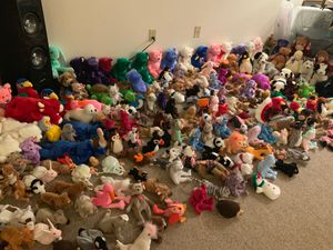230 Original TY Beanie Babies 1996 Retired mint Condition/ Gobbles the Turkey, Peace Bear, Princess Diana, Jabber, for Sale in Wood Village, OR
