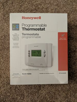 Honeywell programmable thermostat for Sale in Everett, MA
