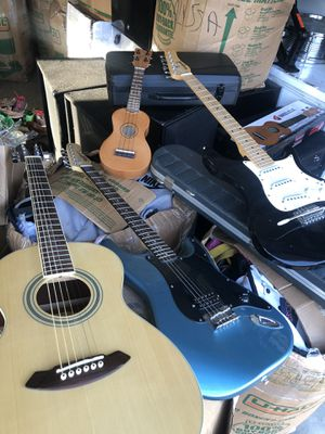 Guitar for Sale in Hillsboro, OR