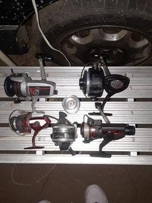 5 assorted fishing reels and extra spool $25 best offer for Sale in Wildomar, CA