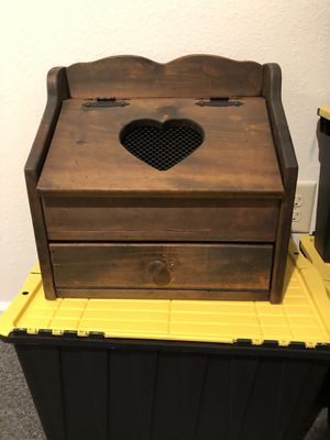 Wood bread box for Sale in Toledo, OH