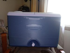 Rubbermaid Cooler for Sale in North Kansas City, MO
