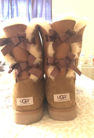 Ugg Bow boots size 11 for Sale in Austin, TX