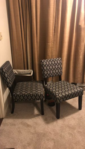 Set of 2 Lounge Chairs for Sale in Federal Way, WA
