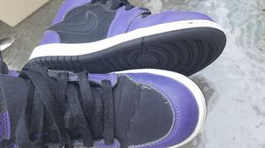 Jordan 1 retros black and purple size 2y for Sale in Portland, OR