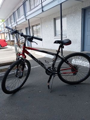 Giant Boulder mountain bike for Sale in Phoenix, AZ