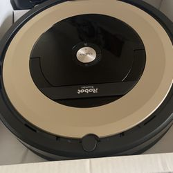 Roomba 981 for Sale in Puyallup,  WA