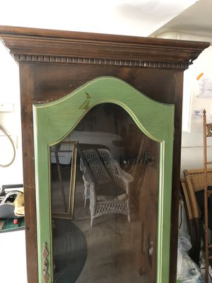 Hitchcock 1776 Gun Cabinet with lock for Sale in Northford, CT