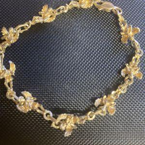 10k gold Bracelet With Angels Diamond Cut for Sale in Gaston, SC