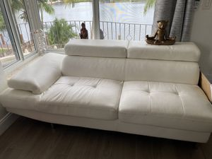 Leather white couch for Sale in Pompano Beach, FL