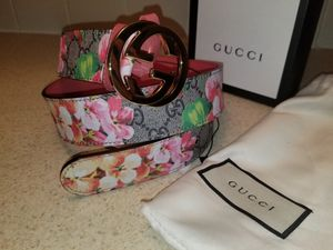 Gucci Floral Bloom Leather Belt Authentic for Sale in New York, NY
